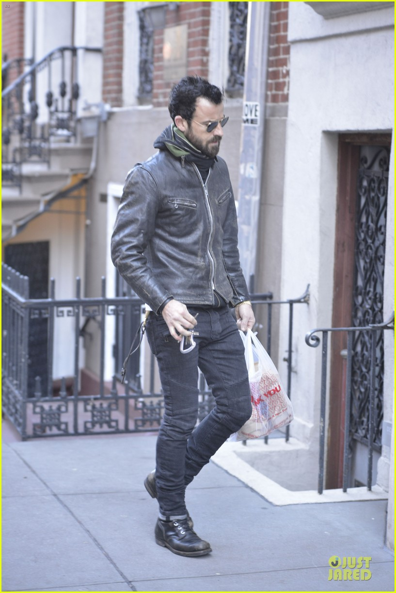 justin theroux is great guy raves chelsea handler 07
