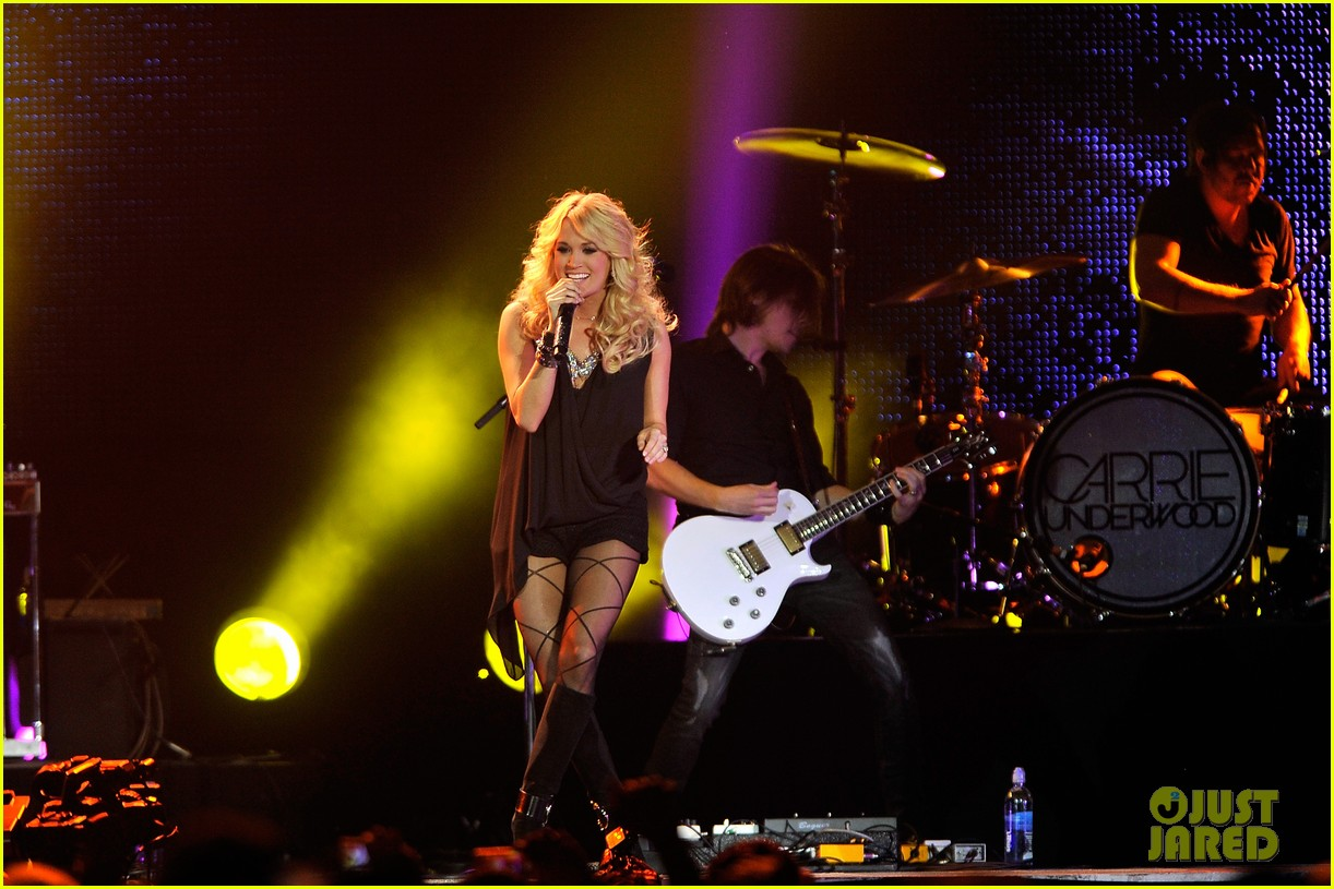 carrie underwood leann rimes country 2 country festival 04