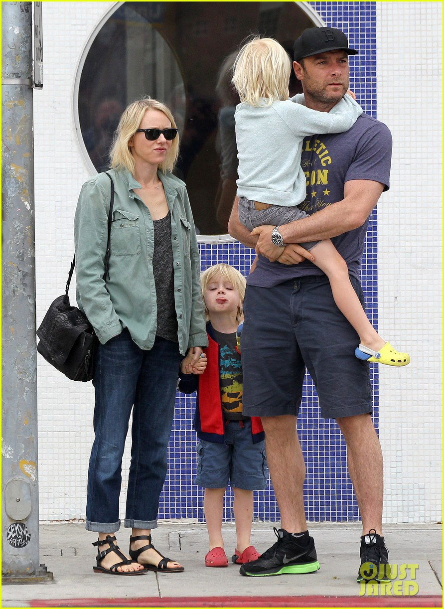 naomi watts liev schreiber saturday family errands 13