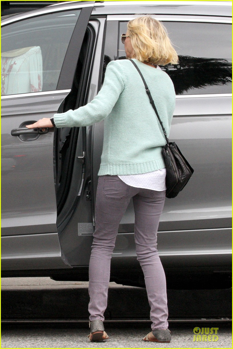 naomi watts neighboring visit with the boys 22