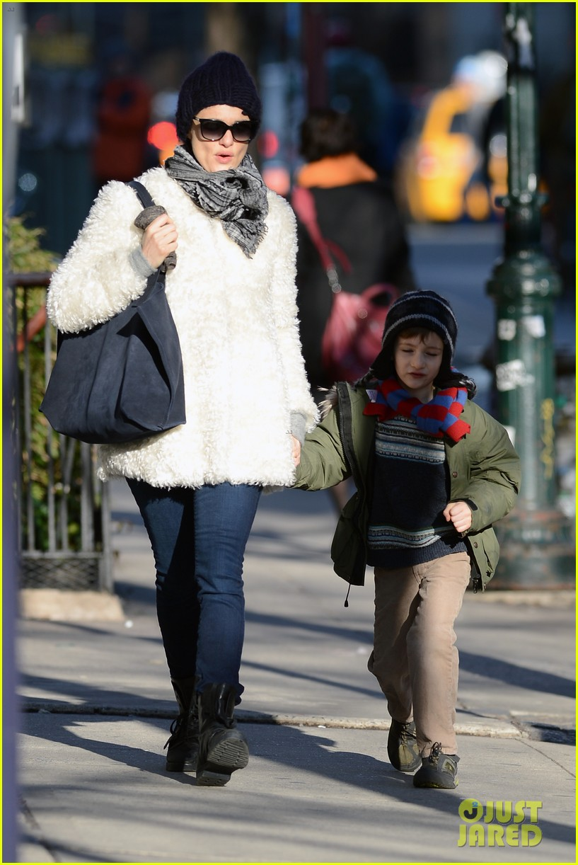 rachel weisz morning stroll with henry 01