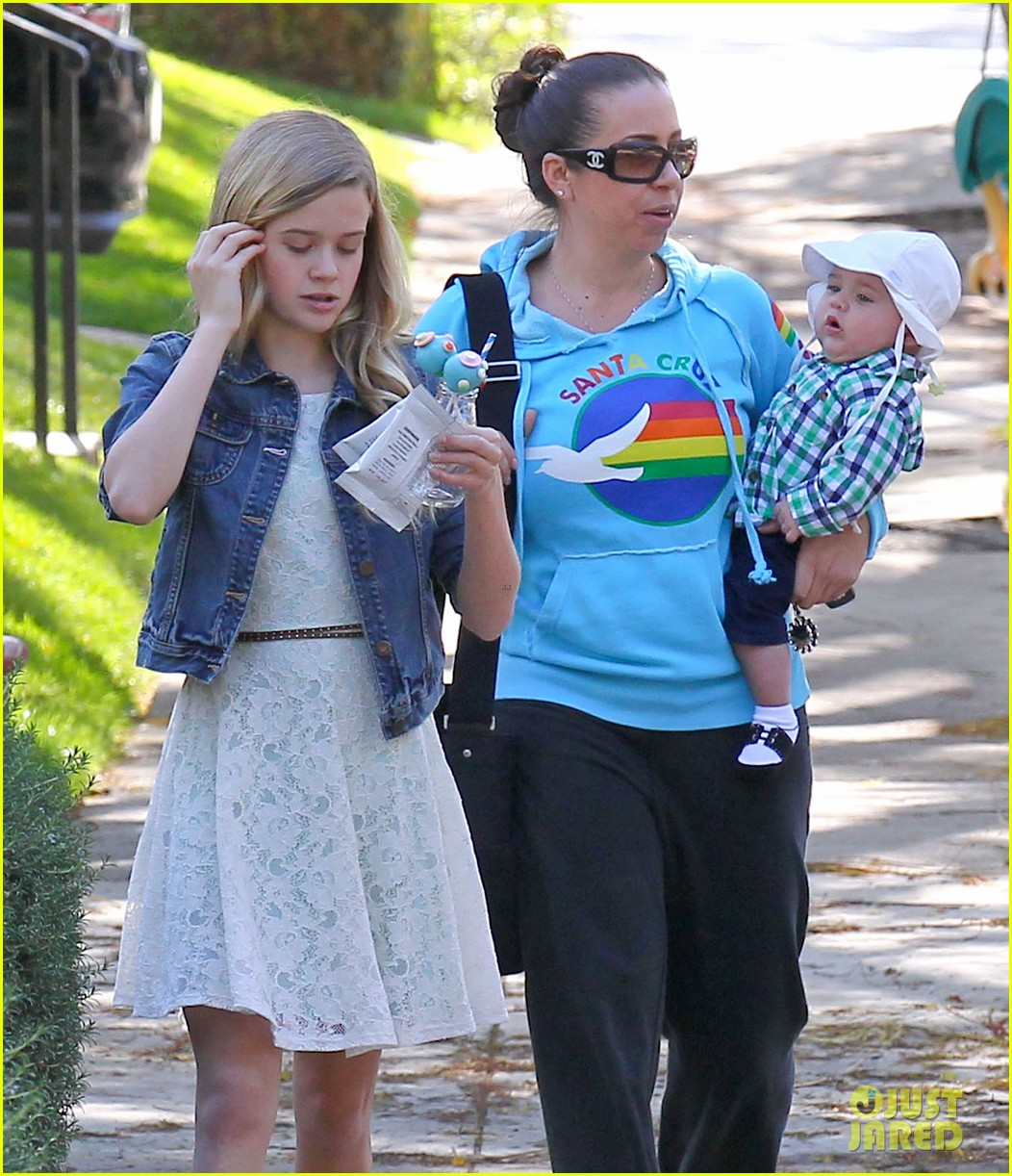 resse witherspoon full family outing 22