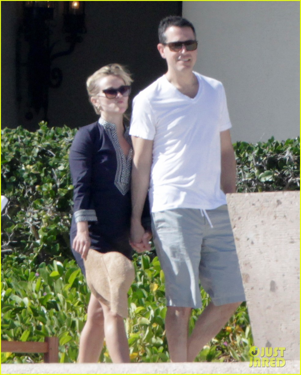 reese witherspoon jim toth birthday trip to mexico 05