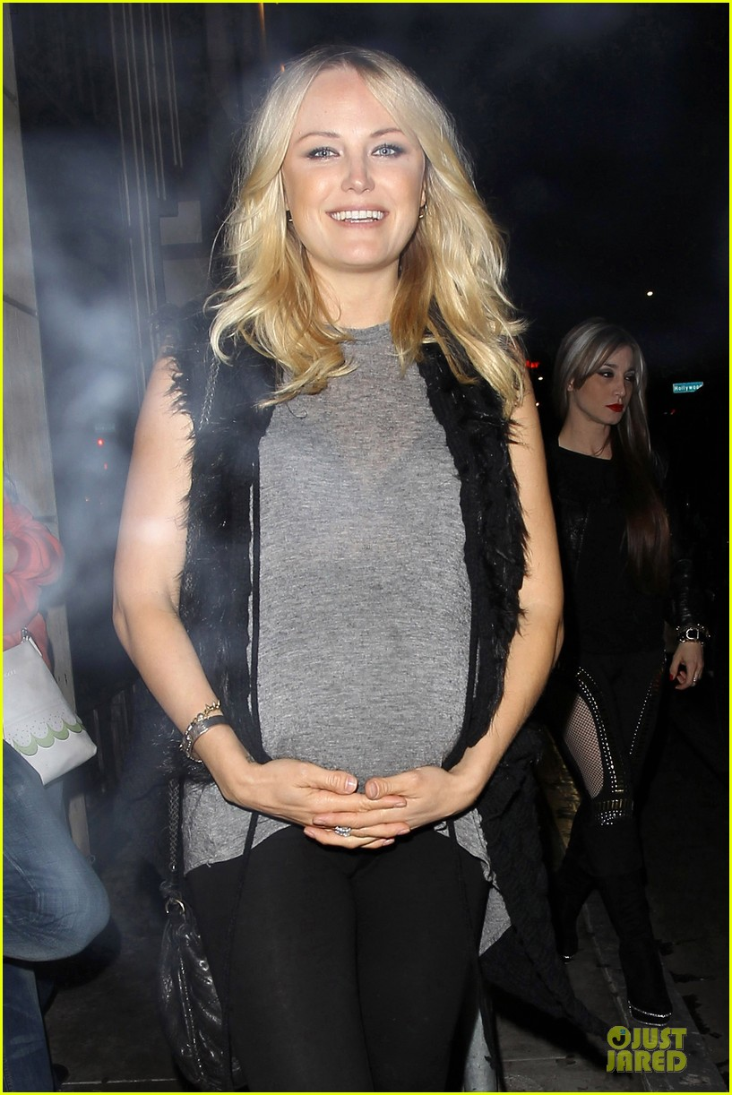 malin akerman pregnant date night with roberto zincone 022844179