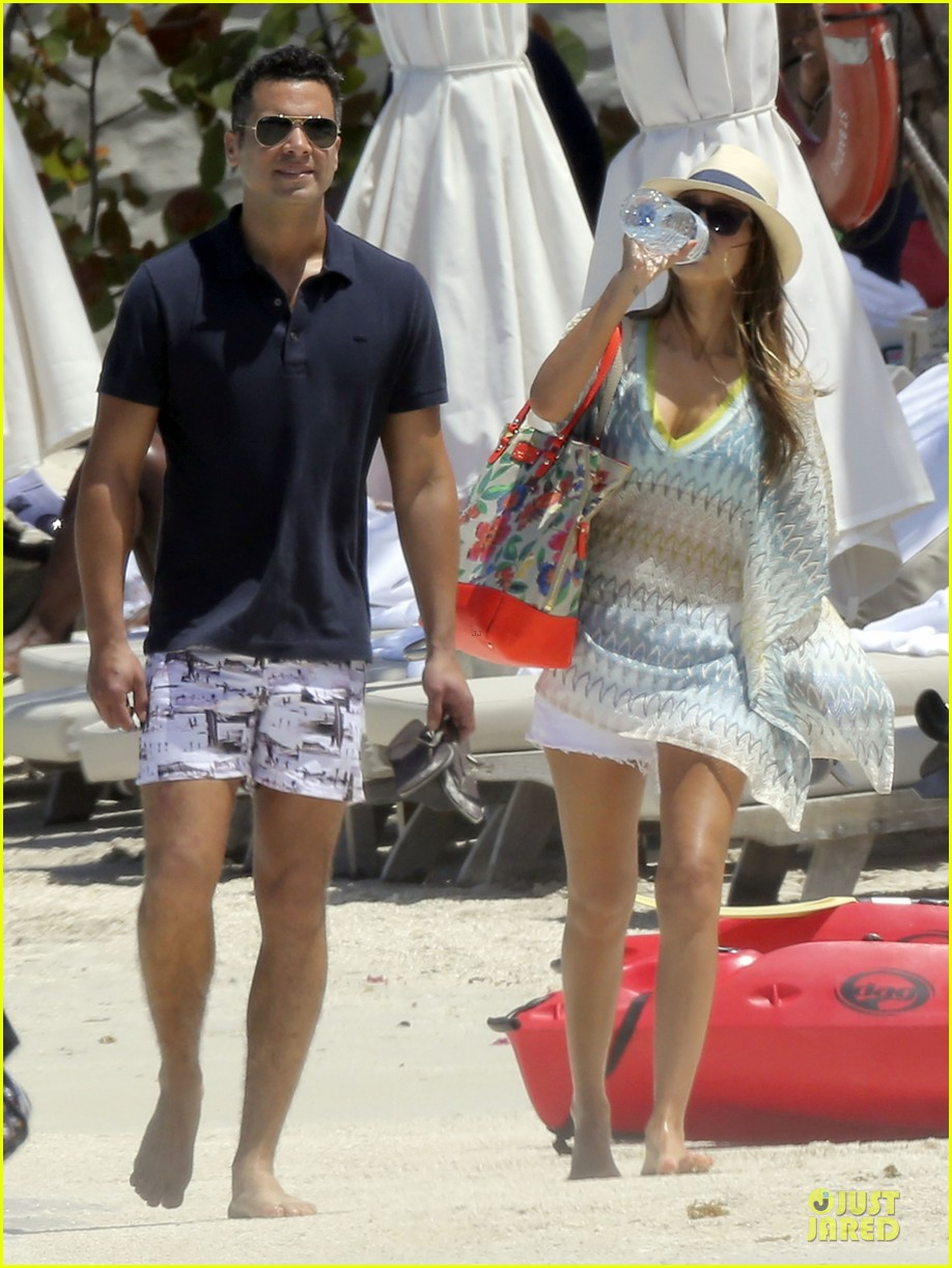 jessica alba st barts bikini babe with shirtless cash warren 462844165