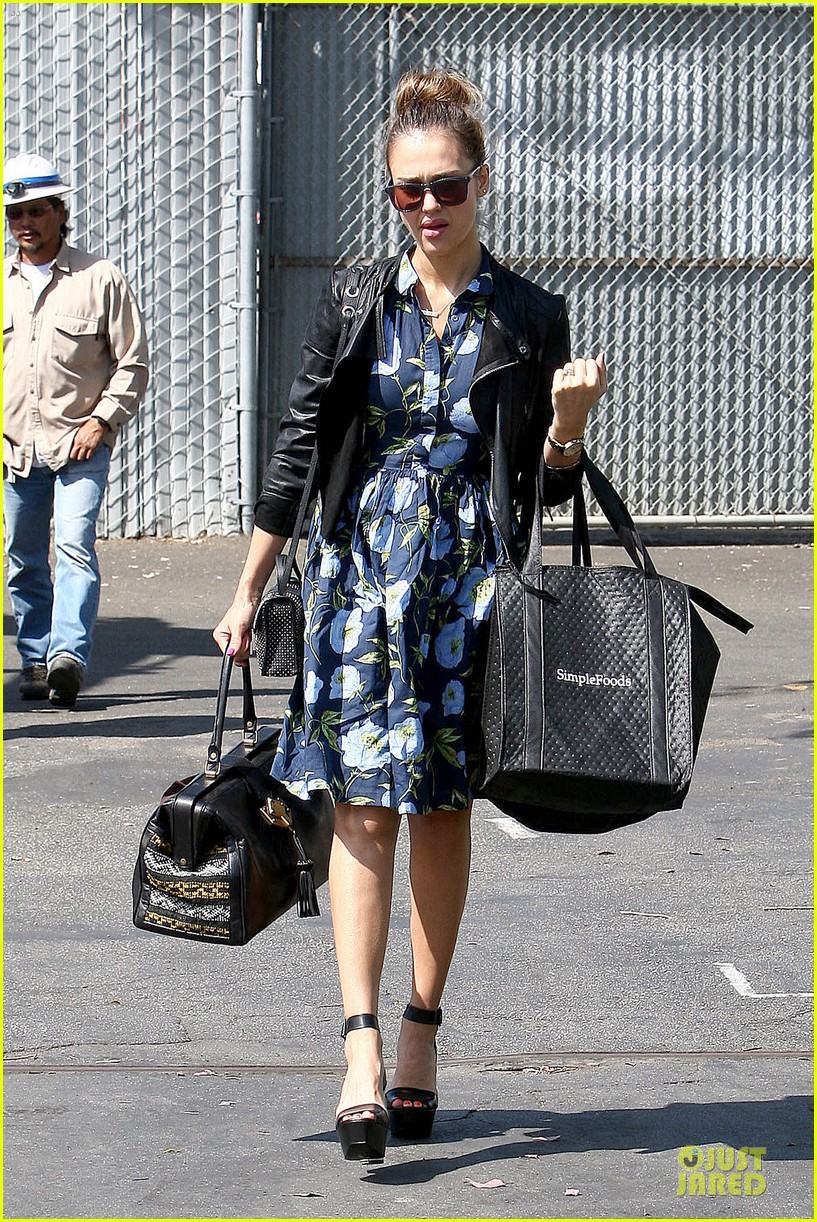 jessica alba i wore a double corset after pregnancies 152859112