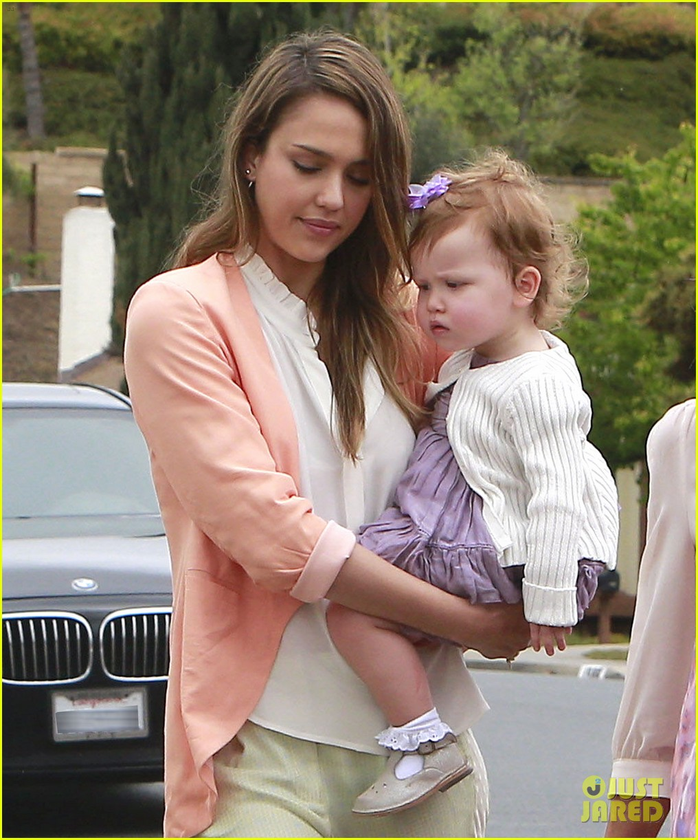 jessica alba cash warren pastels on easter sunday 042841250