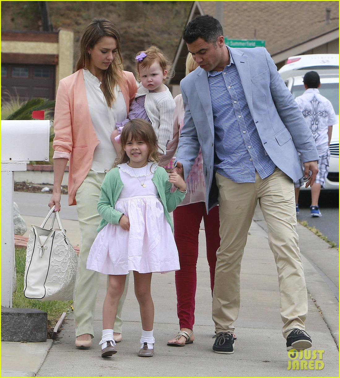 jessica alba cash warren pastels on easter sunday 082841254