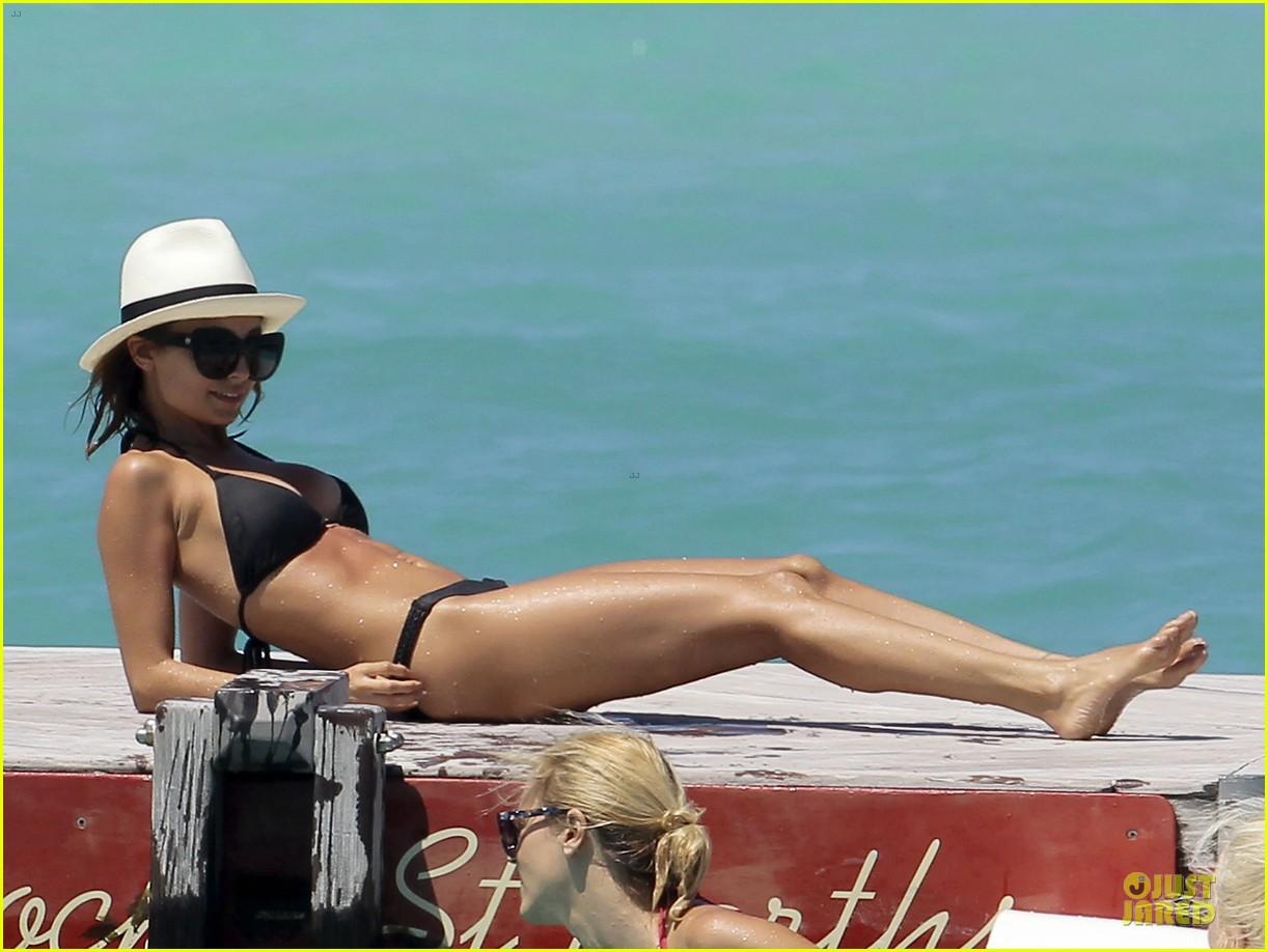 jessica alba nicole richie bikini clad gal pals 132844496