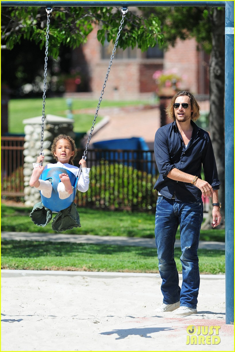 gabriel aubry park playtime with nahla 012858335