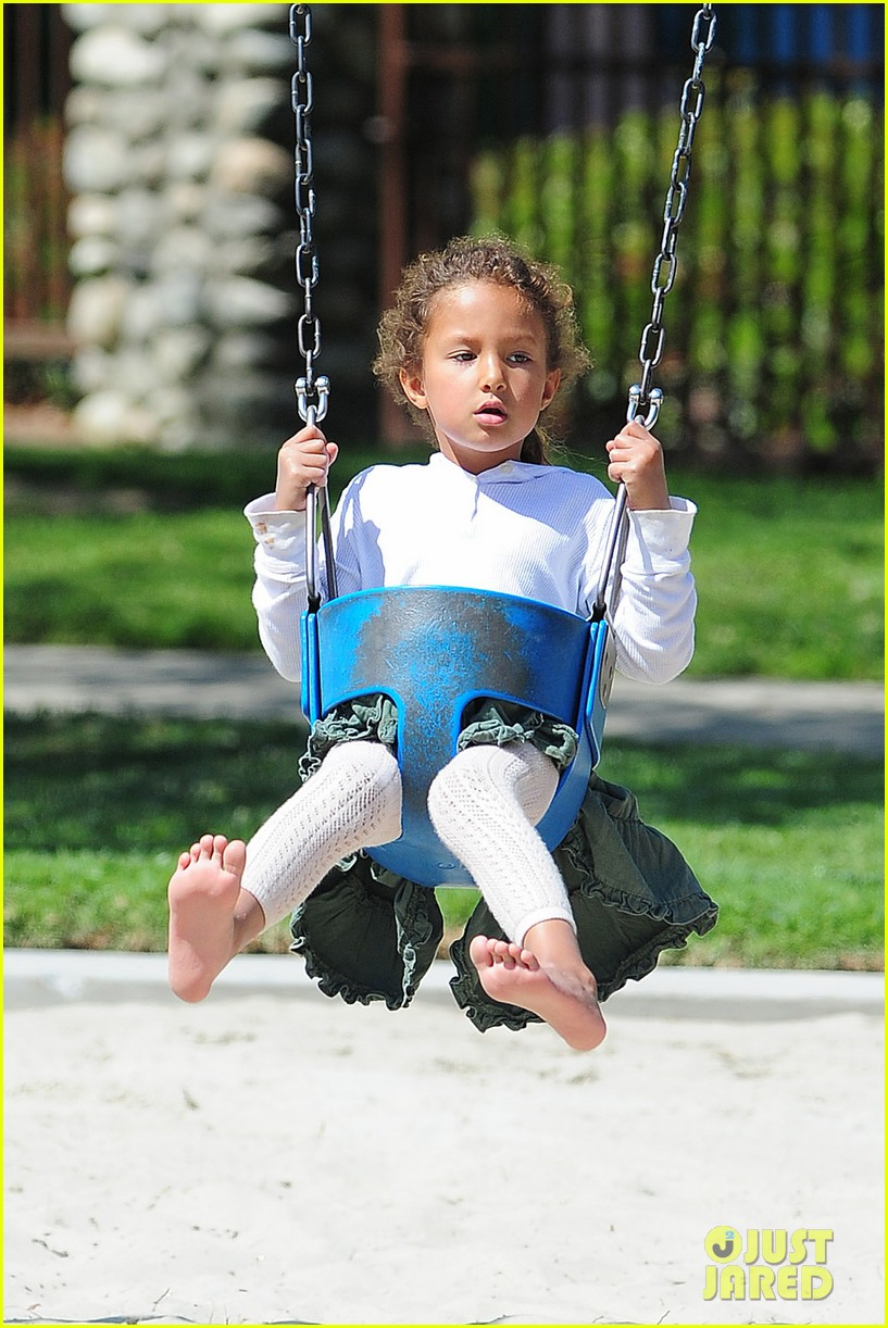 gabriel aubry park playtime with nahla 02