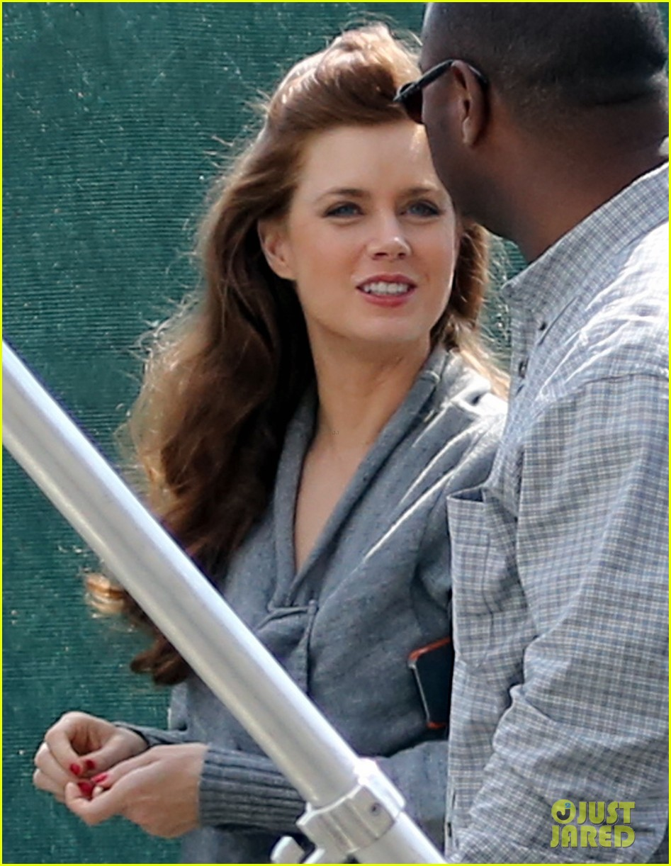 christian bale amy adams lunch break on set 02
