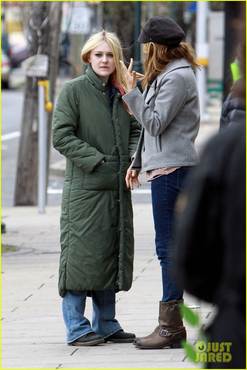 dakota fanning elizabeth banks every secret thing wraps filming 01