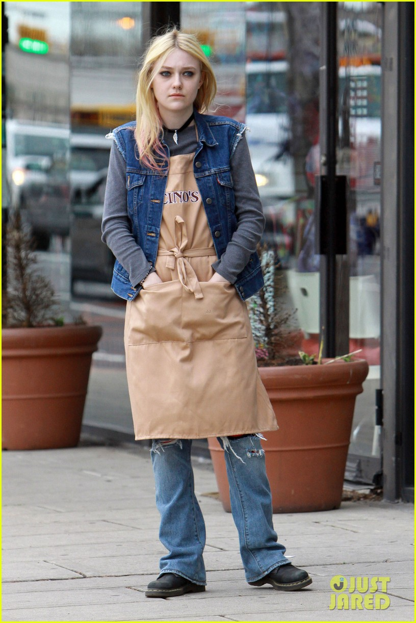 dakota fanning elizabeth banks every secret thing wraps filming 07