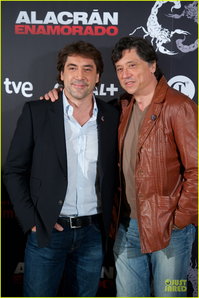 javier bardem alacran enamorado photo call with brother carlos 14