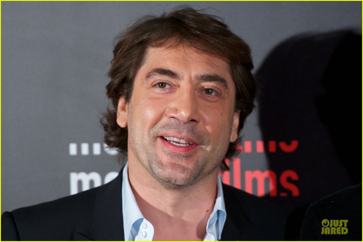 javier bardem alacran enamorado photo call with brother carlos 15