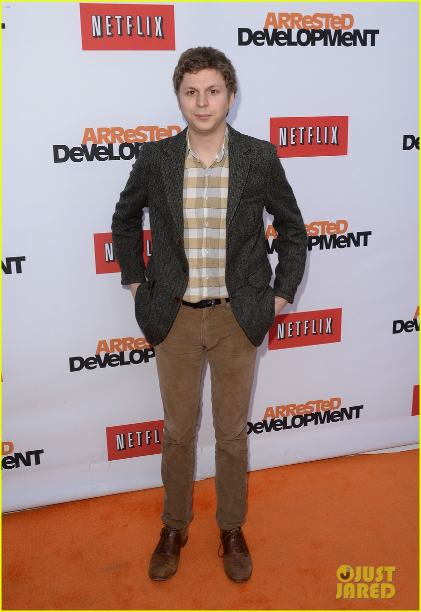 jason bateman michael cera arrested development season 4 premiere 08