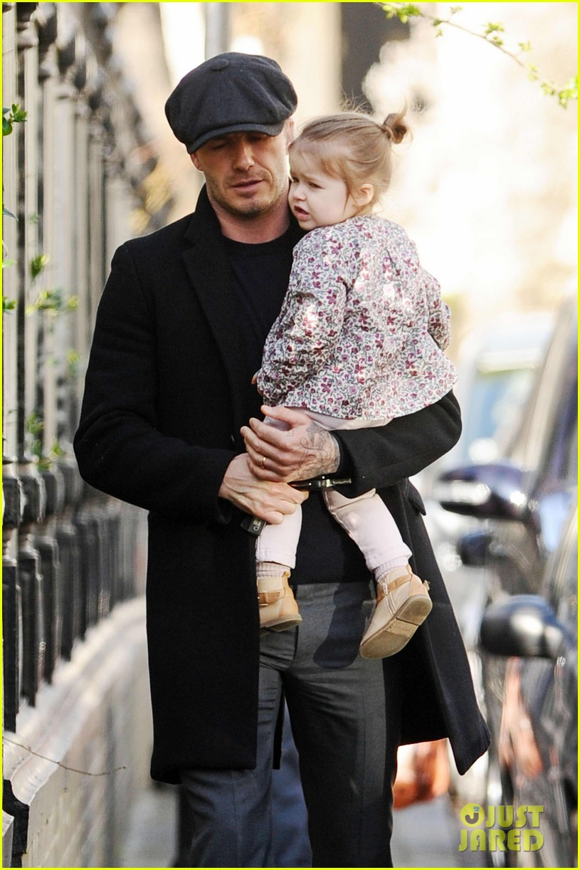victoria david beckham day out with harper 02