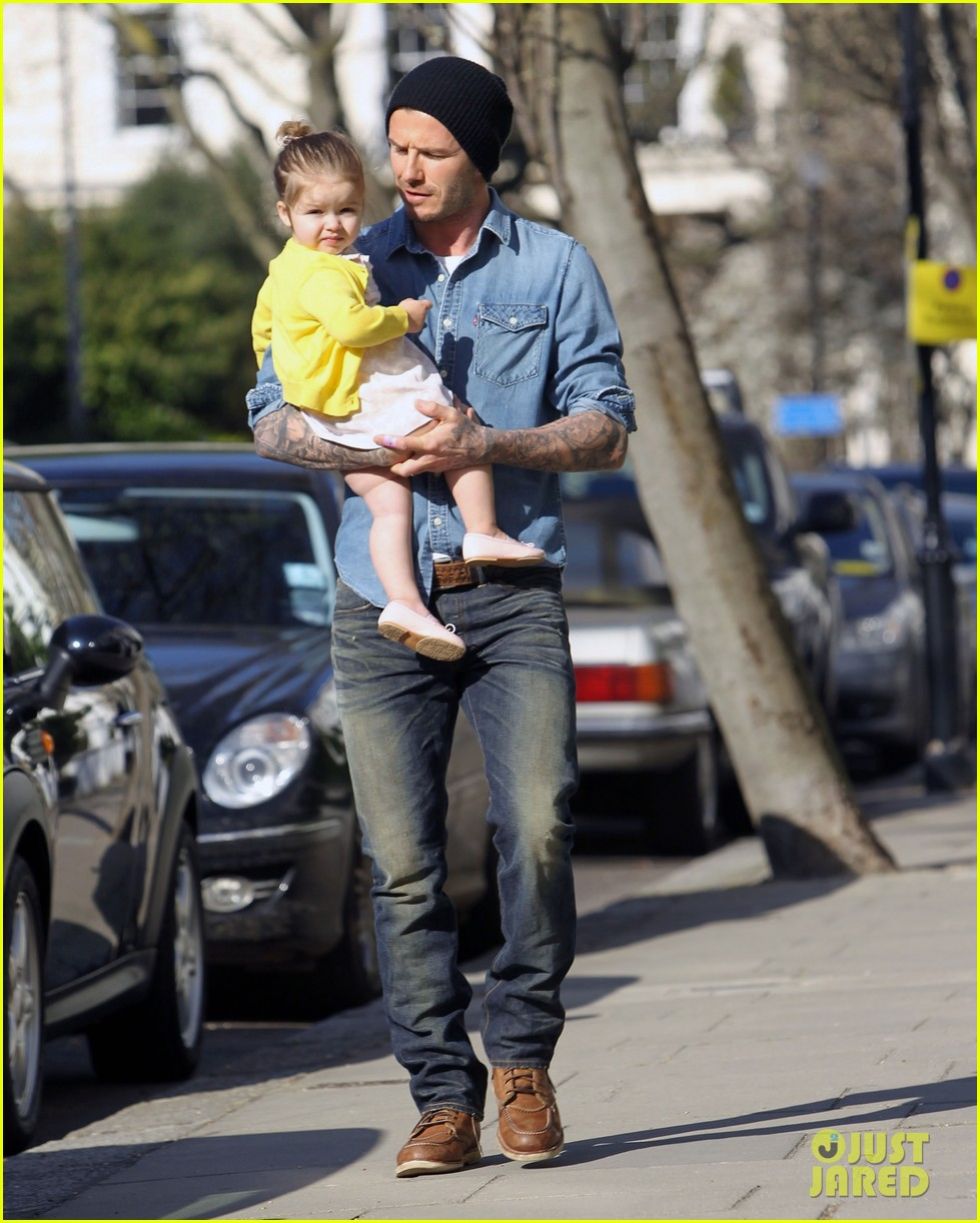 victoria david beckham day out with harper 05