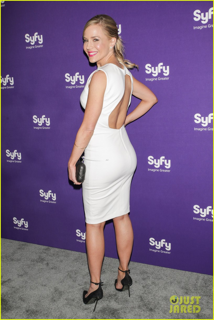 julie benz sam witwer syfy upfronts 2013 14