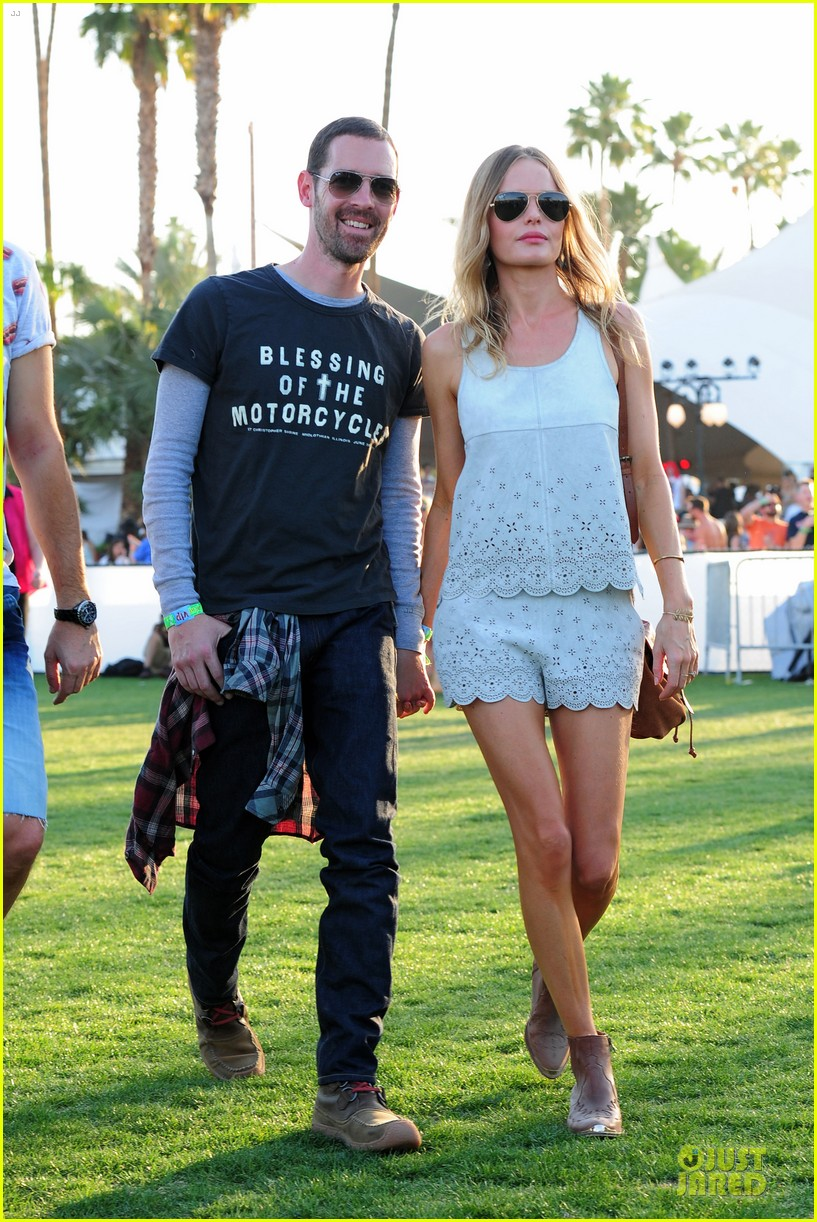 kate bosworth michael polish coachella beach house couple 02