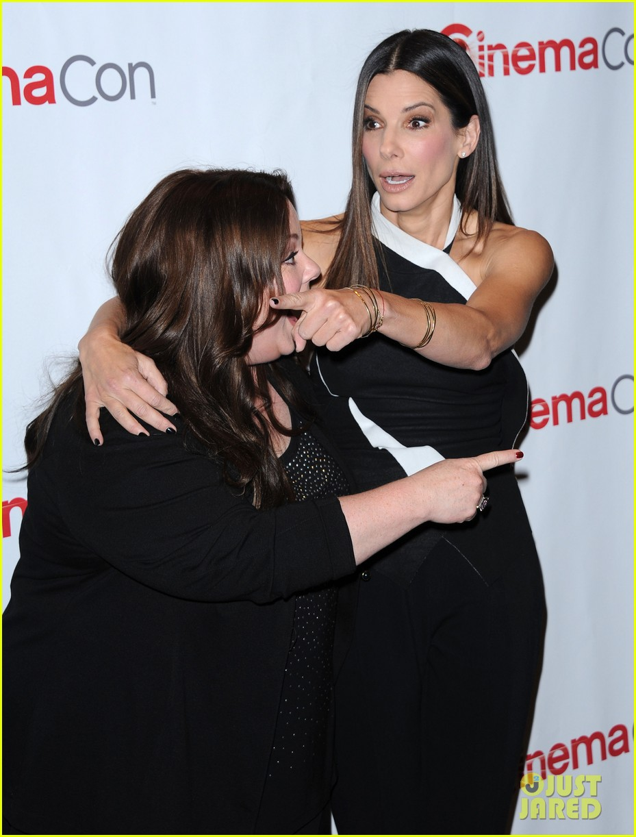 sandra bullock melissa mccarthy the heat at cinemacon 092852746