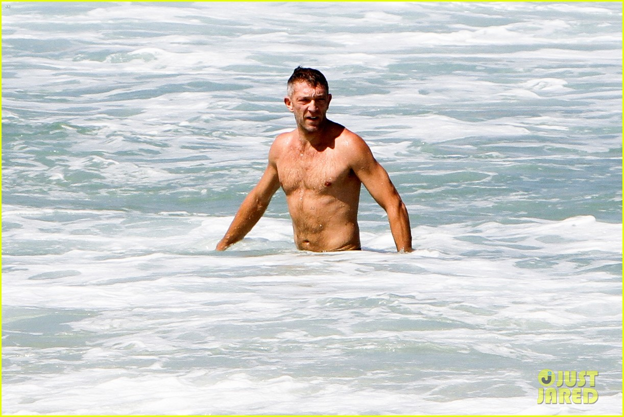 vincent cassel shirtless speedo sexy in rio 07