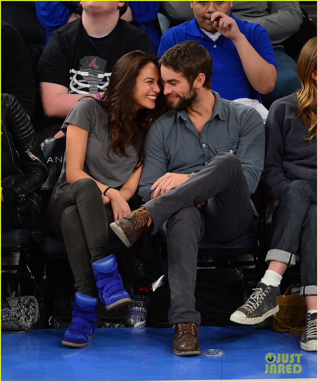 chace crawford knicks game with rachelle goulding 012841074