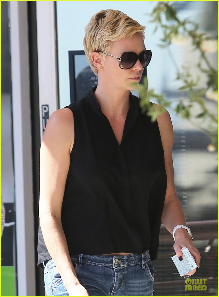 charlize theron 3.8 million la house sale 042846402