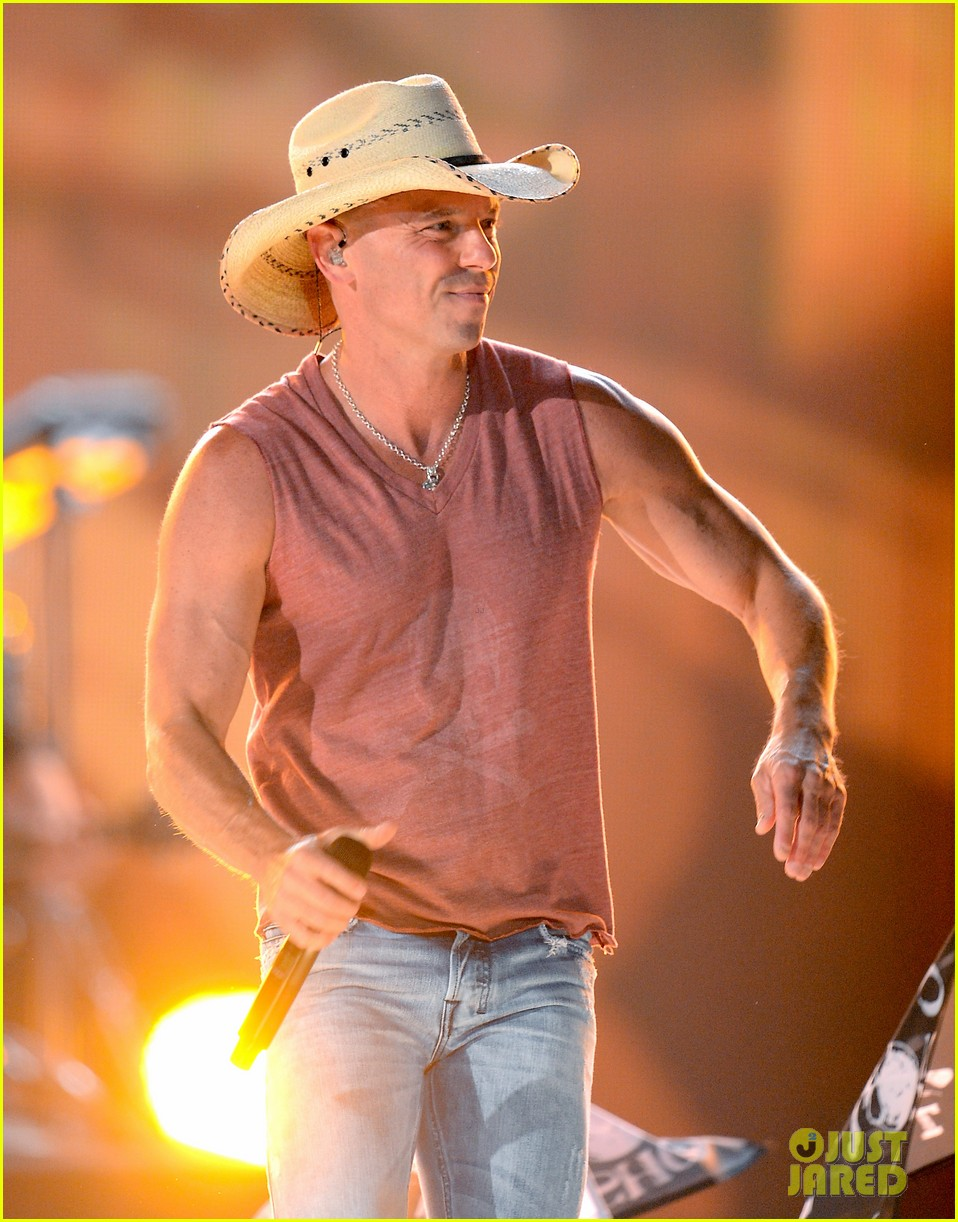 kenny chesney acm awards 2013 052845230