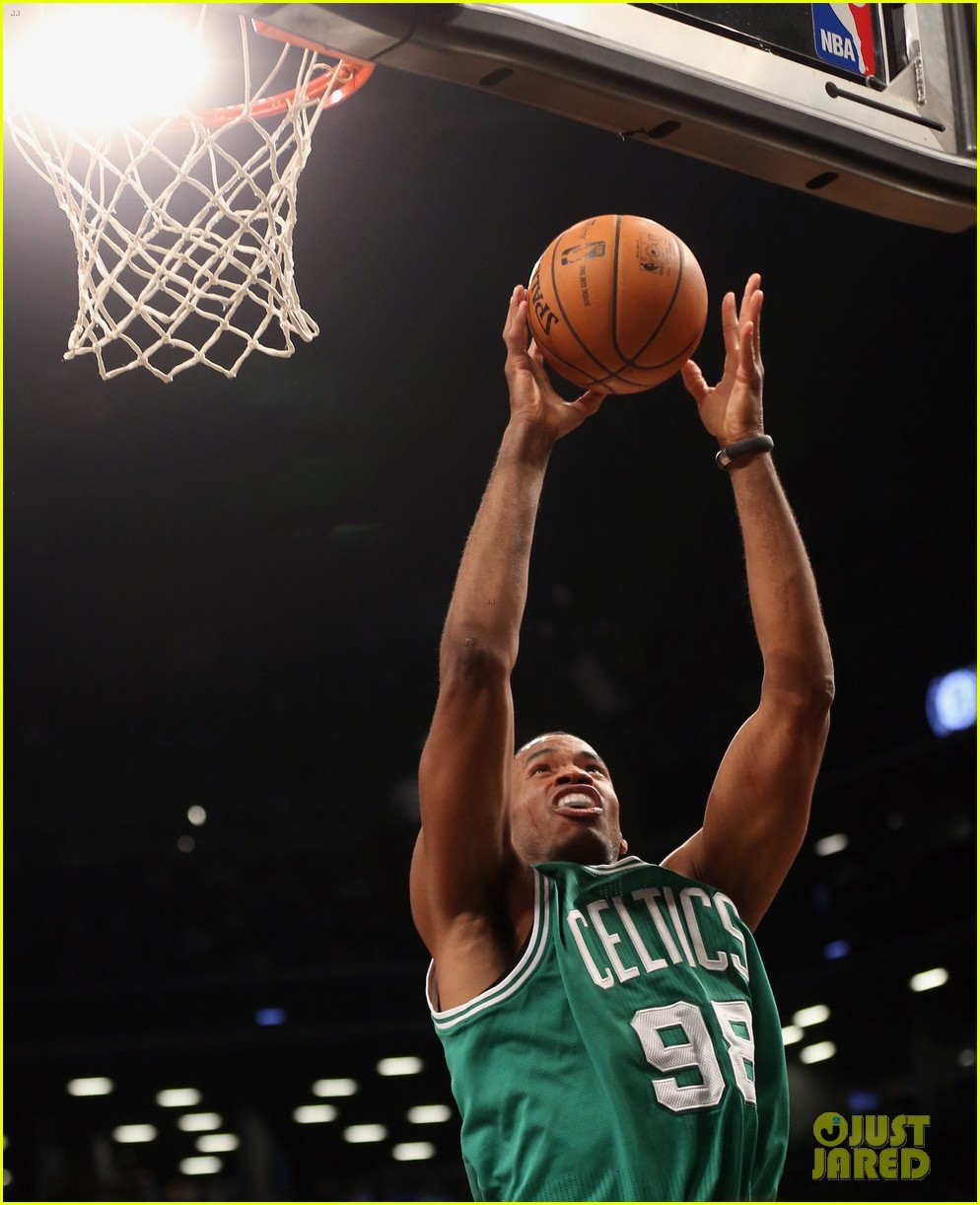 nba player jason collins comes out as gay man 142860525