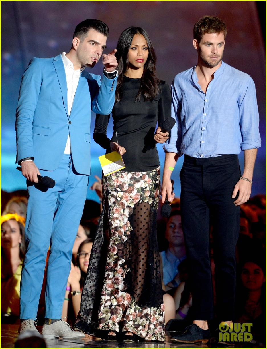 Bradley Cooper & Chris Pine - MTV Movie Awards 2013: Photo ...