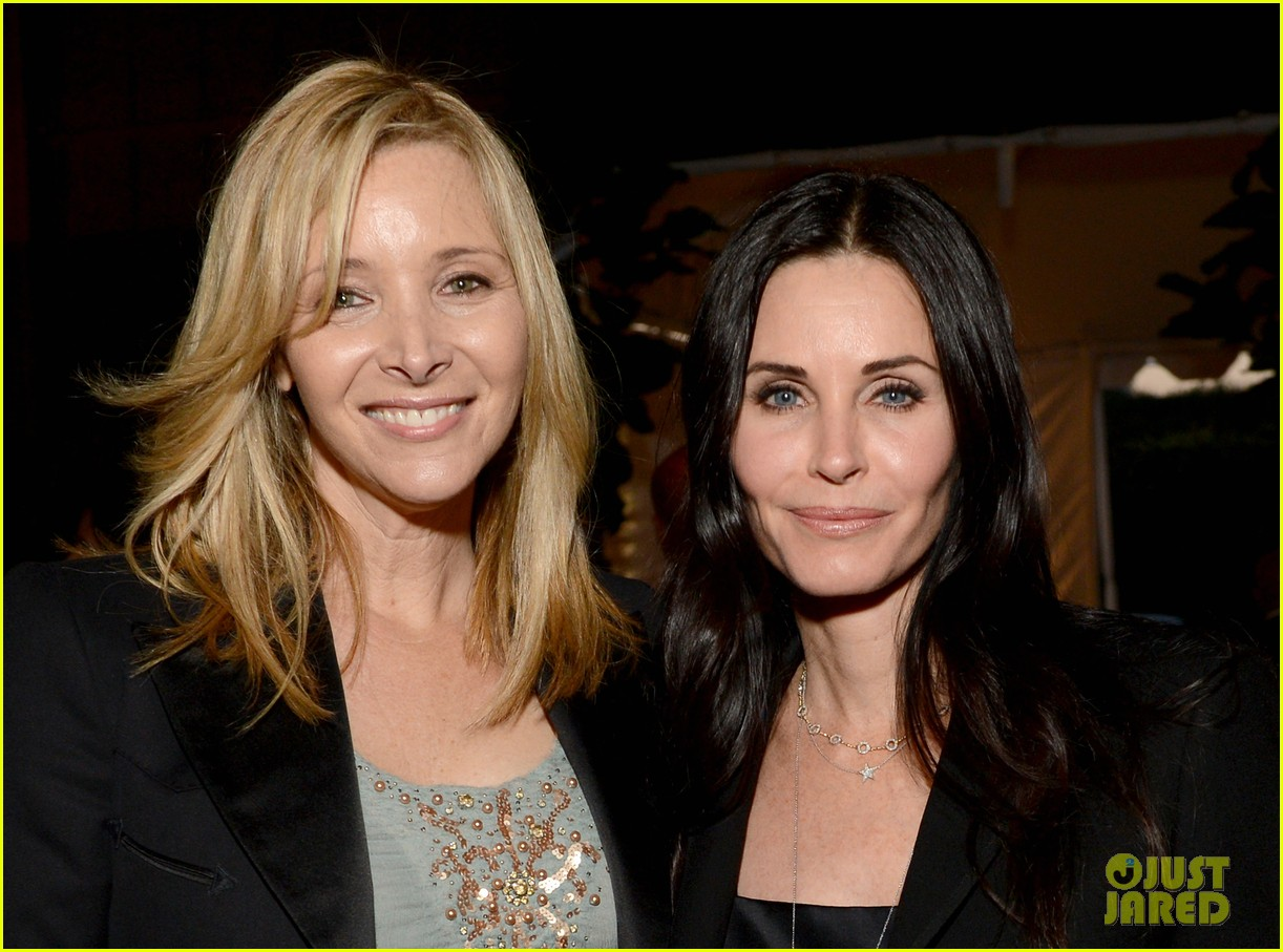 courteney cox julie bowen la modernism show opening 04