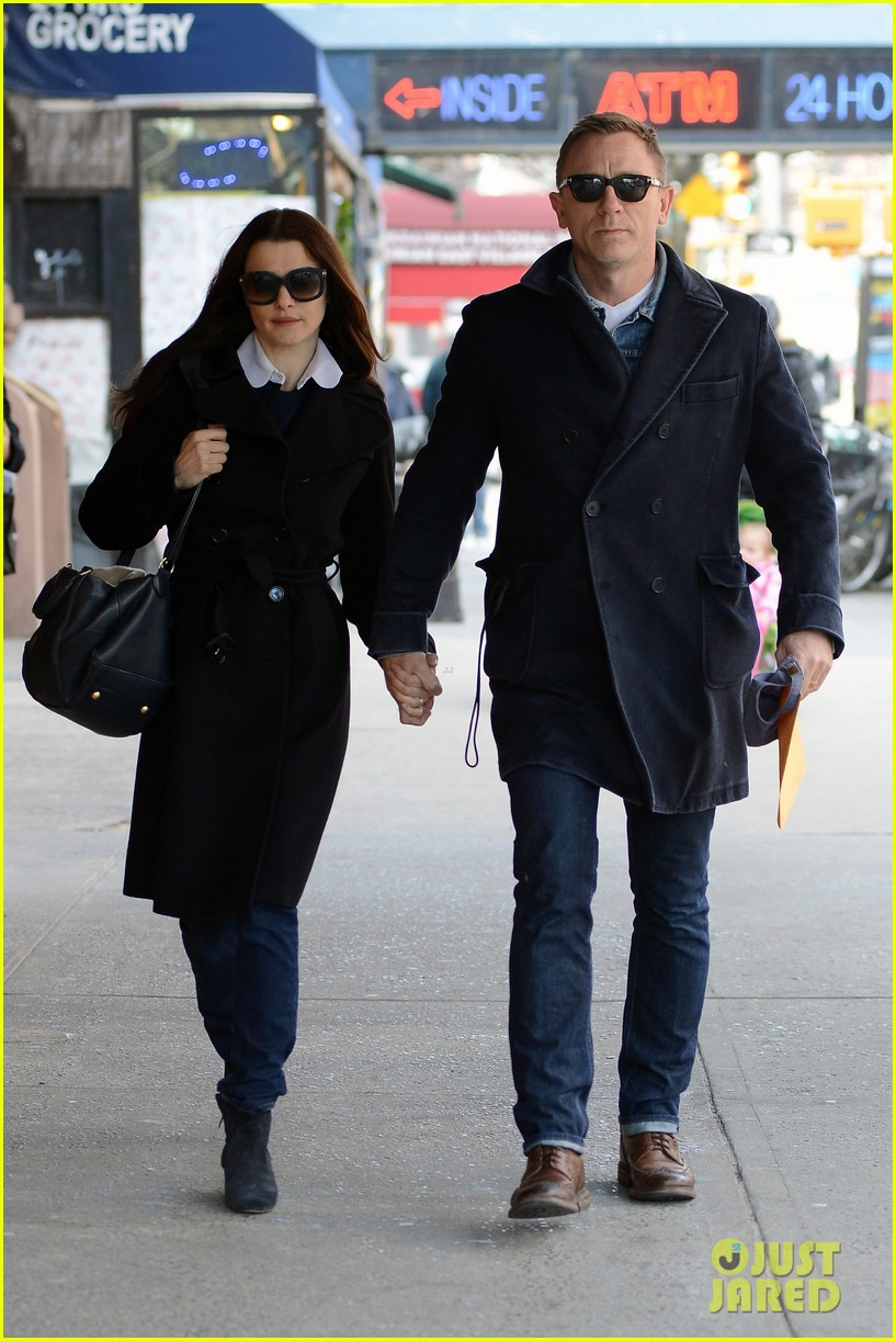 daniel craig rachel weisz hold hands after betrayal news 132843767