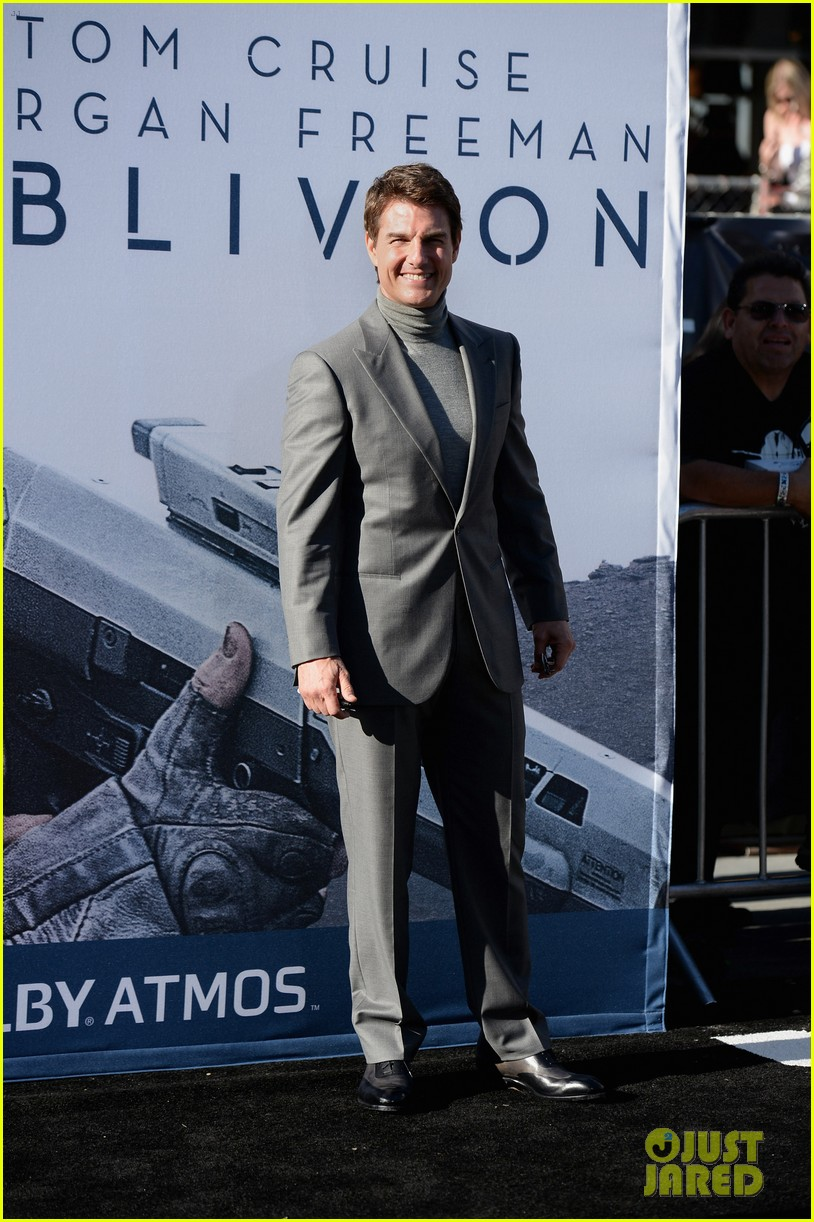 tom cruise olga kurylenko oblivion hollywood premiere 262847272