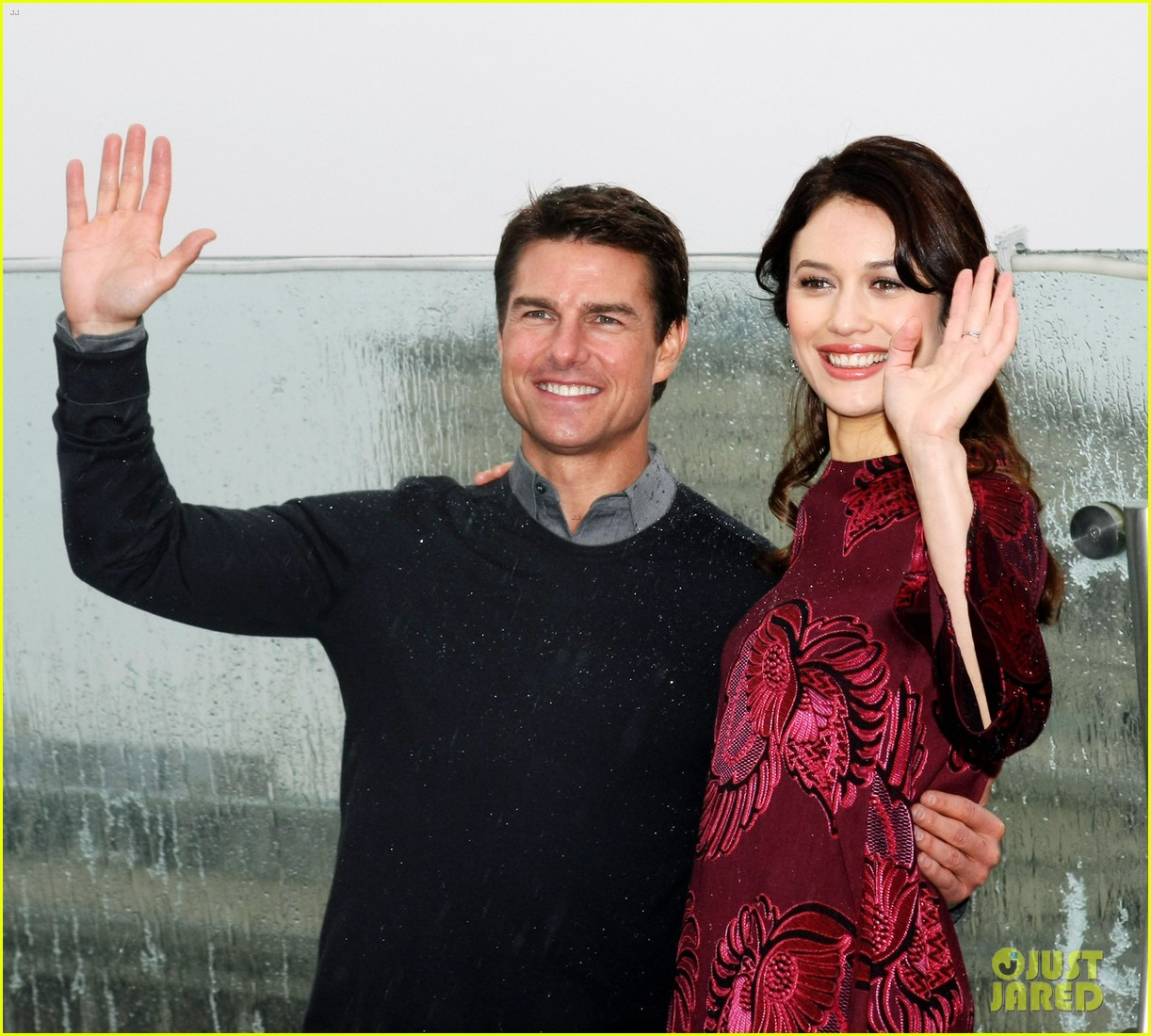 tom cruise olga kurylenko oblivion moscow photo call 10