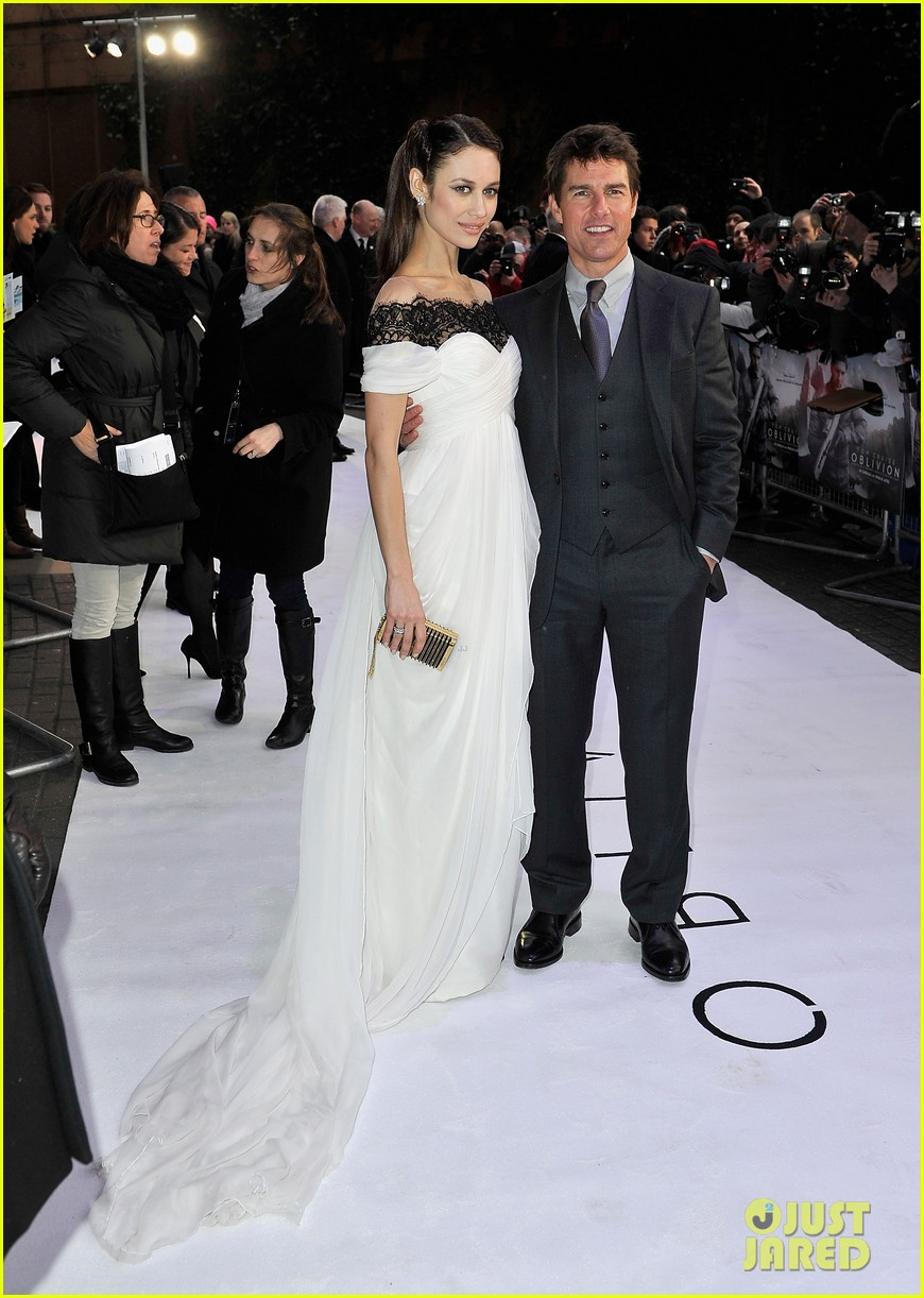 tom cruise olga kurylenko oblivion uk premiere 072843237