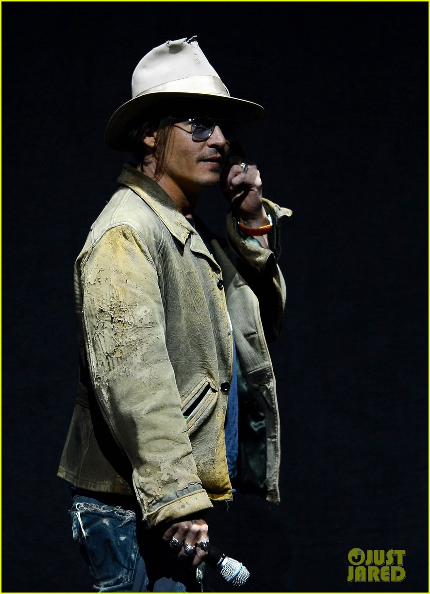 johnny depp armie hammer lone ranger at cinemacon 01