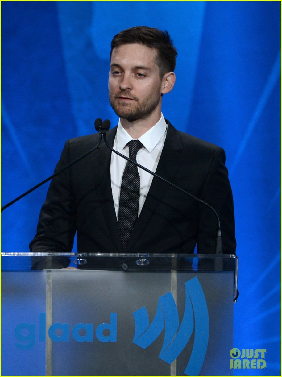 leonardo dicaprio tobey maguire glaad media awards 2013 102854506