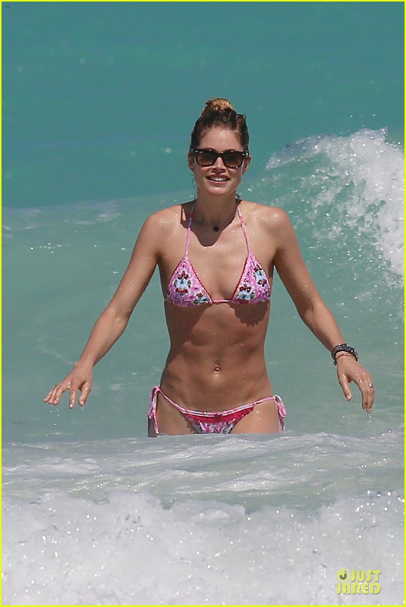 doutzen kroes bikini photo shoot with sunnery james 24
