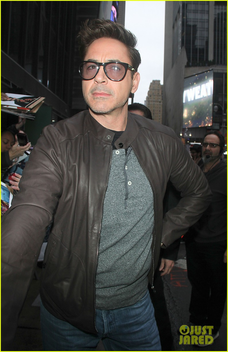 robert downey jr tobey maguire good morning america guys 042861257