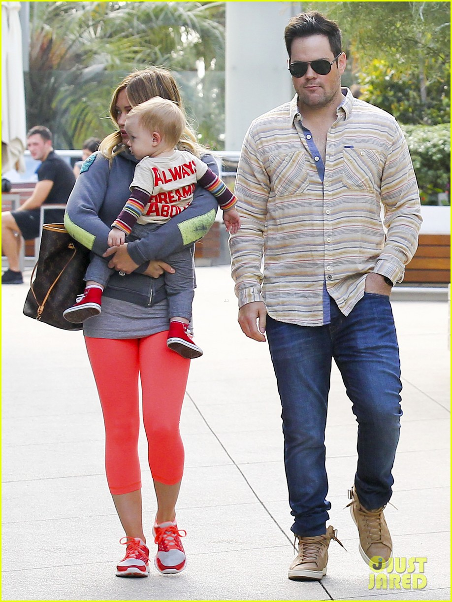 hilary duff mike comrie family breakfast with luca 03