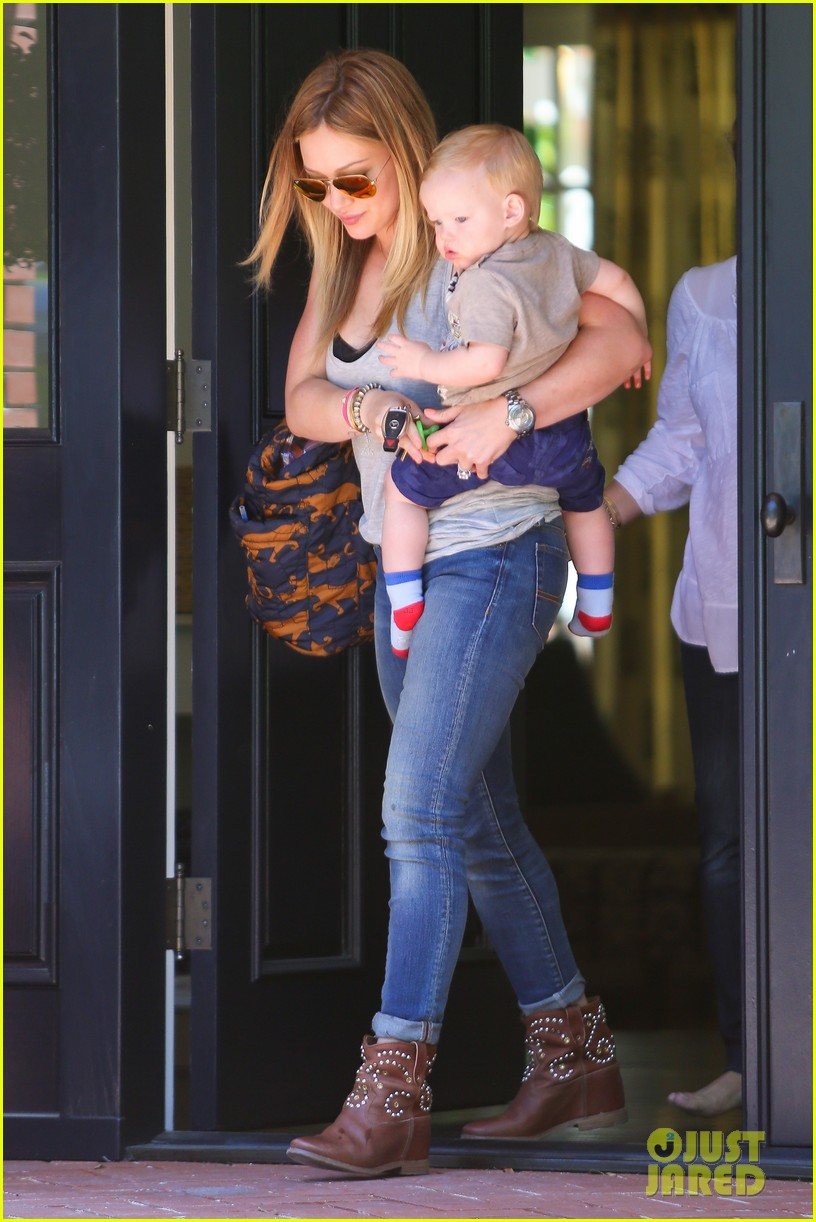 hilary duff sunny afternoons with baby luca 172853584