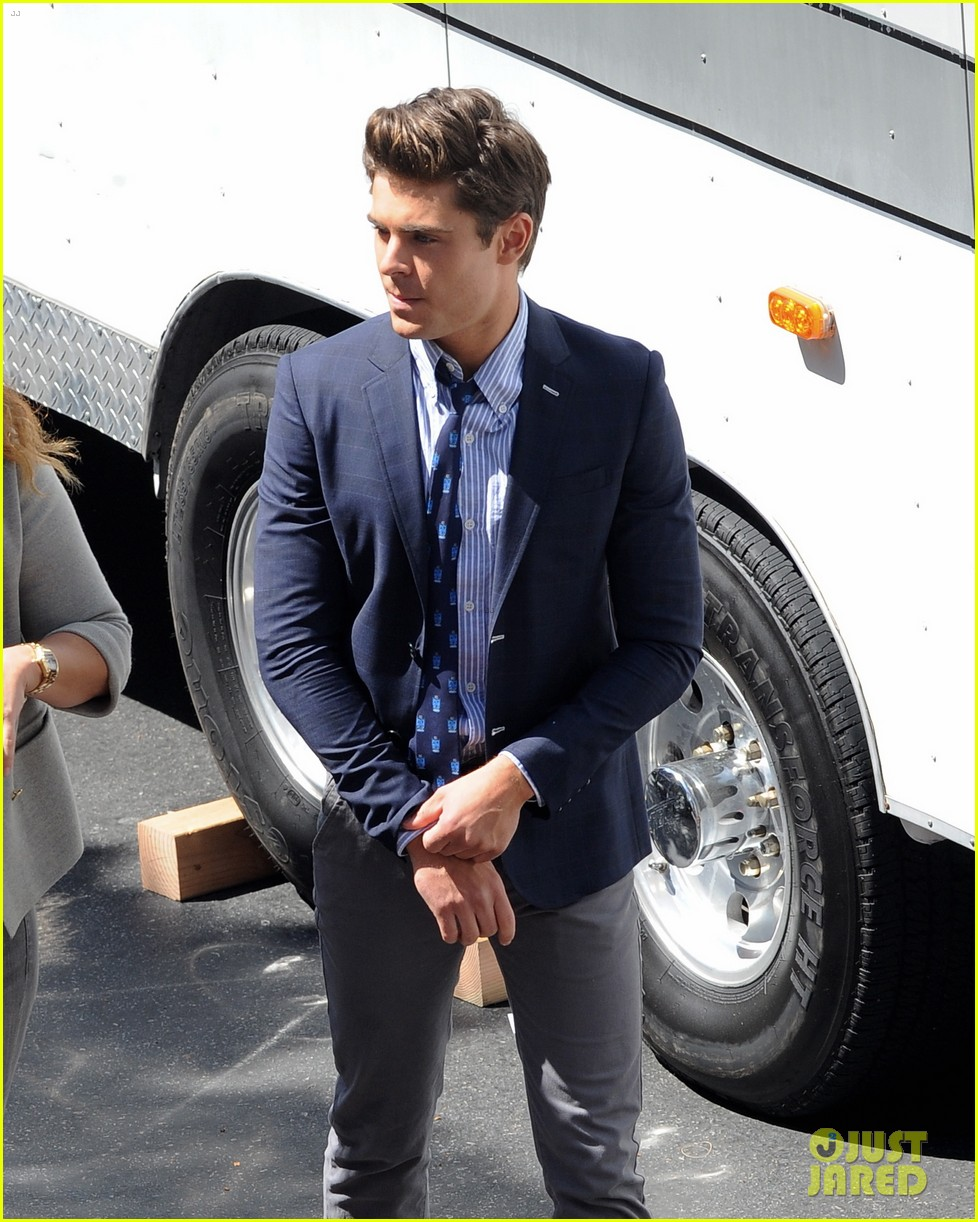zac efron suit flip flops on townies set 07