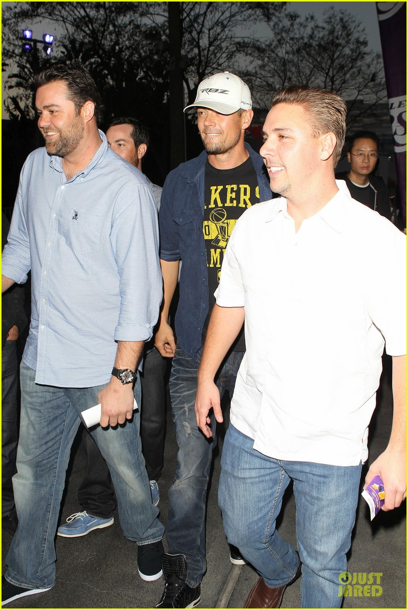 fergie josh duhamel separate outings in la 20