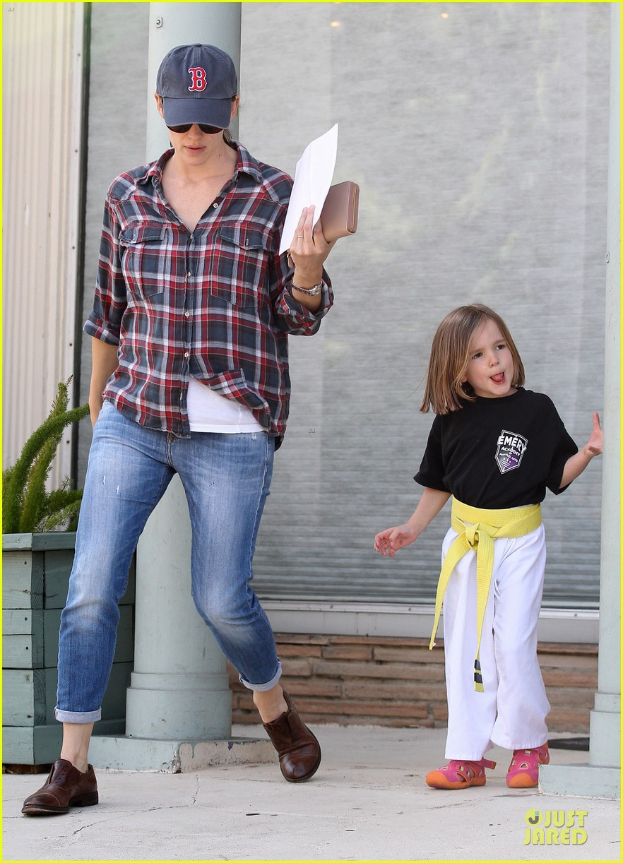 jennifer garner celebrity culture is so silly 122844473