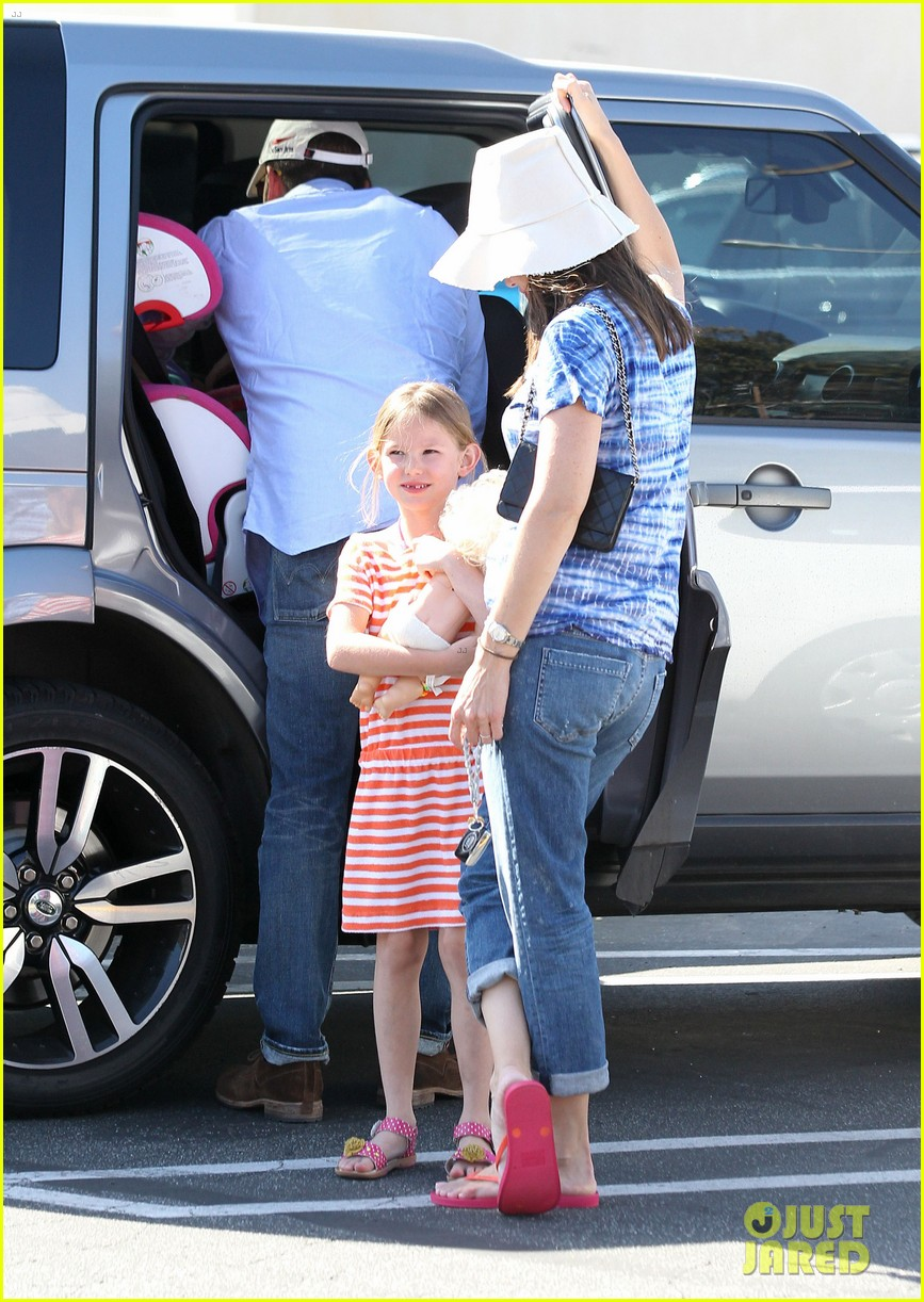 jennifer garner ben affleck weekend shopping with the girls 062855024
