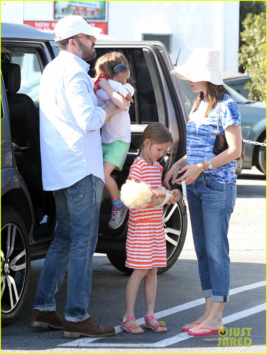 jennifer garner ben affleck weekend shopping with the girls 072855025