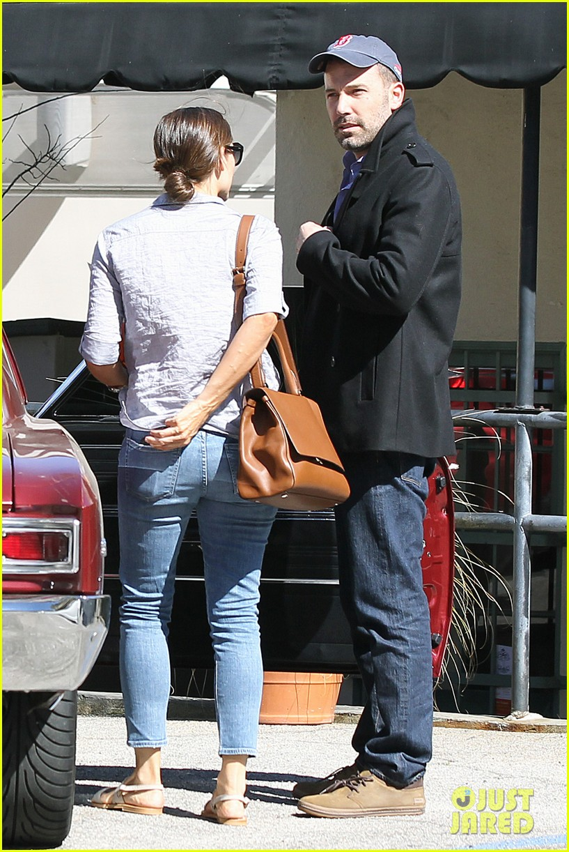 jennifer garner ben affleck kissing couple 092847652