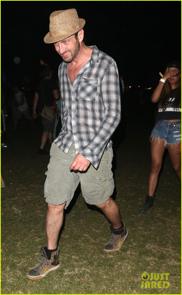 gerard butler jessica alba coachella weekend two 01